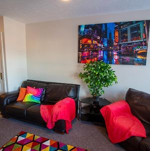 Ample Comforts, Centrally Located, Town Centre photos Exterior