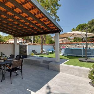 Nice Home In Porec With Wifi, Outdoor Swimming Pool And 2 Bedrooms photos Exterior