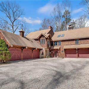 Rustic Retreat Near Bill Millers Castle With Hot Tub! photos Exterior