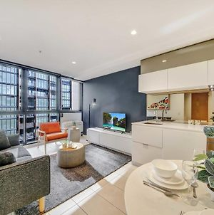 A Cozy & Modern 2Br Apt Near Crown And Southern Cross photos Exterior
