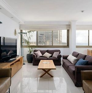 3 Bedrooms And A Living Room photos Exterior