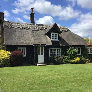 Thatched Cottage 3-Bed Cottage In A Rural Setting photos Exterior