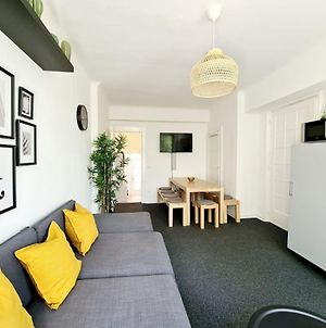 Spacious Apartment For 10 In Great Location photos Exterior