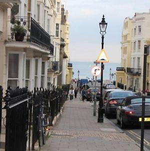 Family And Dog Friendly Beachfront Home In Brighton & Hove photos Exterior