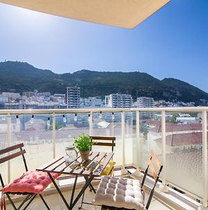 Luxury Modern Apartment With Exceptional Views! photos Exterior