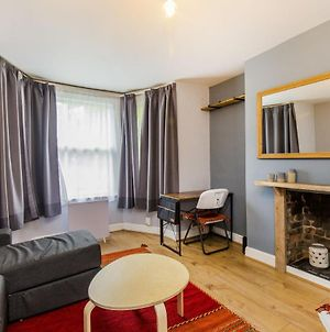 Pass The Keys Apartment With A Private Garden 4 Mins From Tulse Hill Station photos Exterior