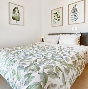 Modern 1Br Apt In The Heart Of Paphos, Wifi, Pool photos Exterior