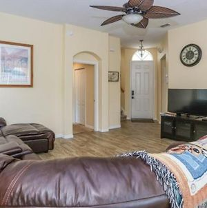 Lovely 3 Bed 2 Bath Pool Home In Gated Community photos Exterior