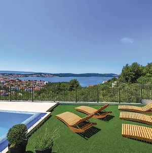 Six-Bedroom Holiday Home In Trogir photos Exterior