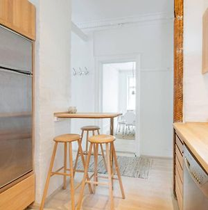 City Apartment With Cosy Backyard In Vibrant Area. photos Exterior