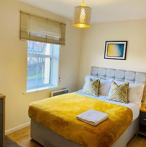 Stay Angels-The Mews Luxury 4Bed, 3Bath, Free Parking & Wifi photos Exterior