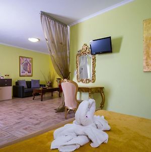 Room In Bb - Relaxing Holidays In Paradice photos Exterior