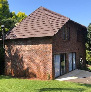 Self Catering, Fully Equipped, 2 Storey Cottage. photos Exterior