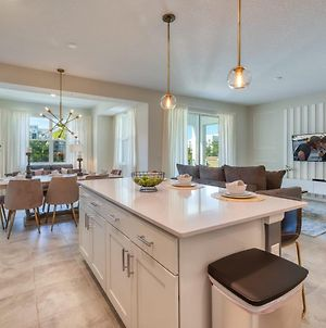 Spacious 2 Bedroom Condo For 7 Guests, 10 Minutes From Disney photos Exterior