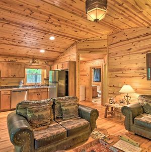 The Honeybee Cabin Private Porch And Hot Tub photos Exterior