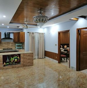 1 Bed 1 Bath - 2 Beds 2 Baths With Lounge & Balcony - Townhouse - Homestay photos Exterior