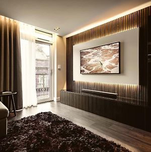 The Acacia, Luxury With Private Balcony + Parking photos Exterior