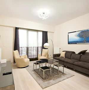 High Rise Apartment Suite With Balcony photos Exterior