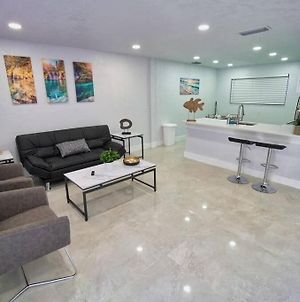 New 2 Bedroom House Minutes From Beach And Aventura Mall photos Exterior