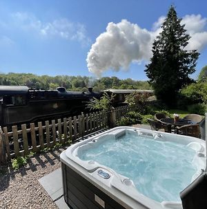 3 Railway Cottage Pickering, Hot Tub, Dog Friendly, Private Secure Garden photos Exterior