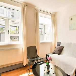 Shoreditch, London - Lovely Two-Bedroom Apartment photos Exterior