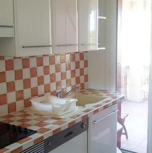 Apartment With 2 Bedrooms In Saint Cyr Sur Mer With Terrace And Wifi 200 M From The Beach photos Exterior