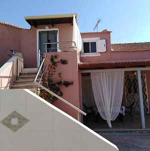 Lovely Apartment Only 5 Minutes From The Shipwreck!!! photos Exterior