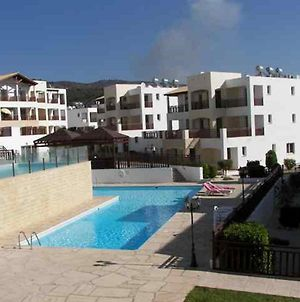 Wonderful 2 Bedroom Apartment In Andriana Complex In Peyia photos Exterior