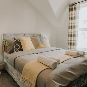 Alice Cottage, This Hidden Nook Is In A Quiet Part Of The City Centre Of Sunderland, With Parking, Wifi, Smart Tv And Travel Links To Newcastle And Durham photos Exterior