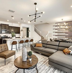 Last Minute Offer!! Astounding Townhome At Solterra photos Exterior