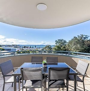211 'The Landmark' 61B Dowling Street Resort Style Holiday With Pool Games Room & Restaurant photos Exterior