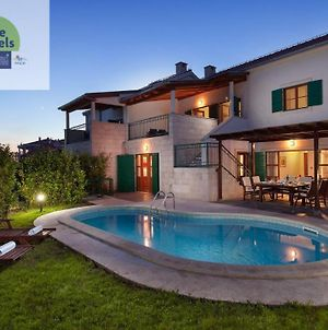 Villa Dane With Private Pool Just 80M Away From The Beach photos Exterior