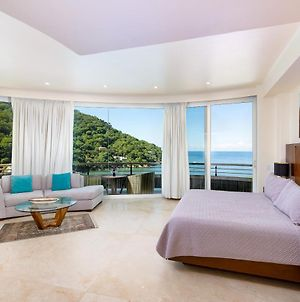 Ocean Frontage Luxury Accommodations photos Exterior