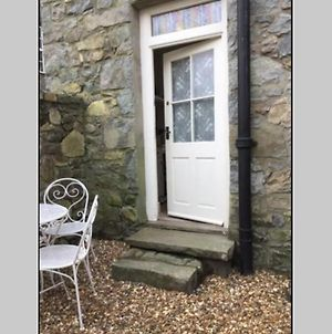 Traditional Welsh Cottage Suitable For 2 Adults And 2 Children Under 12 photos Exterior