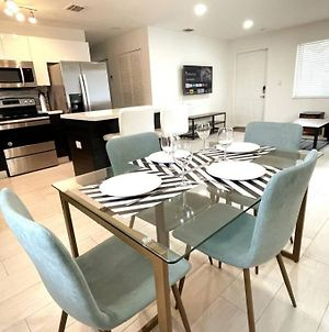 Brand New! 2 Bed 2 Bath Home W/ Gated Parking photos Exterior
