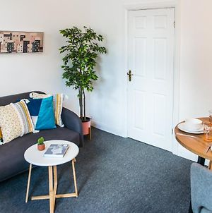 Ranby House - Cosy 2 Bed Home With Free Parking & Netflix By Rocketbnb photos Exterior