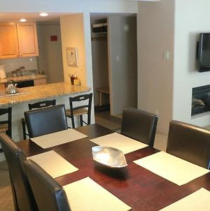 Sunny And Modern Condo With Vail Mountain Views, Outdoor Pool And Hot Tub photos Exterior