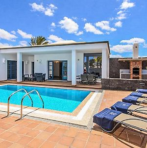Stunning Home In Playa Blanca With Outdoor Swimming Pool, Wifi And 3 Bedrooms photos Exterior