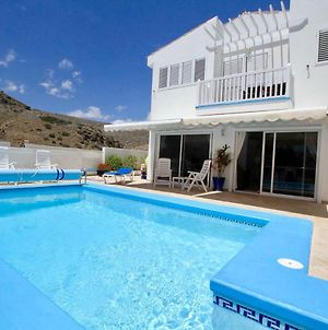 A Beautiful Villa With Private Solar Heated Pool, Air-Conditioned Wi Fi photos Exterior