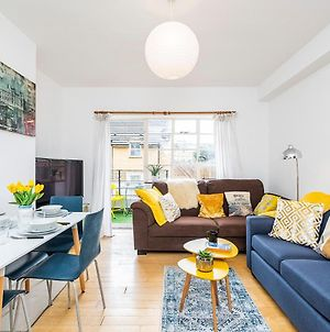 Blue And Yellow Central London Flat photos Exterior
