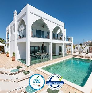 Luxury Villa With Pool, 5-Min From The Beach photos Exterior