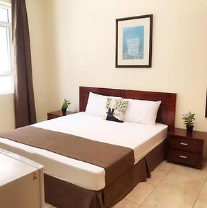 Master Bedroom With Attached Washroom Near To M.O.E. Metro Station. photos Exterior