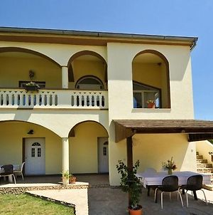 Apartment In Pakostane With Terrace, Air Conditioning, Wifi photos Exterior