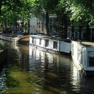 Houseboat In Amsterdam Old Center photos Exterior