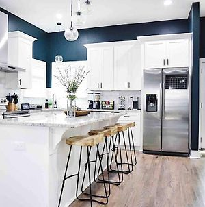 Big City Feels.. Family Vibes! Access To Beltline! photos Exterior