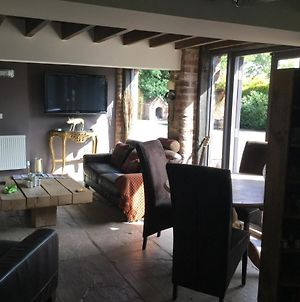 Impeccable 1-Bed Cottage 5 Miles Wetherby photos Exterior