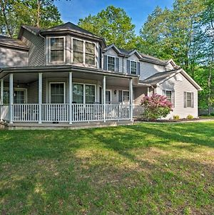 Waterfront Poconos Home With Dock And Game Room! photos Exterior