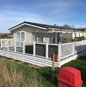 2 Bedroom Luxury Lodge, Og30, Shanklin, Isle Of Wight photos Exterior