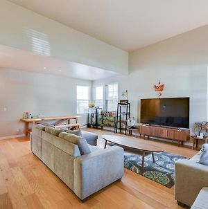 Spacious & Scenic 4Br Home With Deskspace In Hayward Home photos Exterior