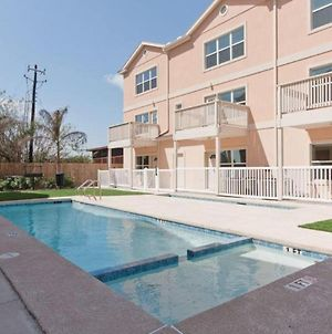 Star Beachside Marlin Cottages 7 By Padre Island Rentals photos Exterior